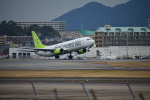 でこっぱち 15さんが、福岡空港で撮影したソラシド エア 737-881の航空フォト(飛行機 写真・画像)