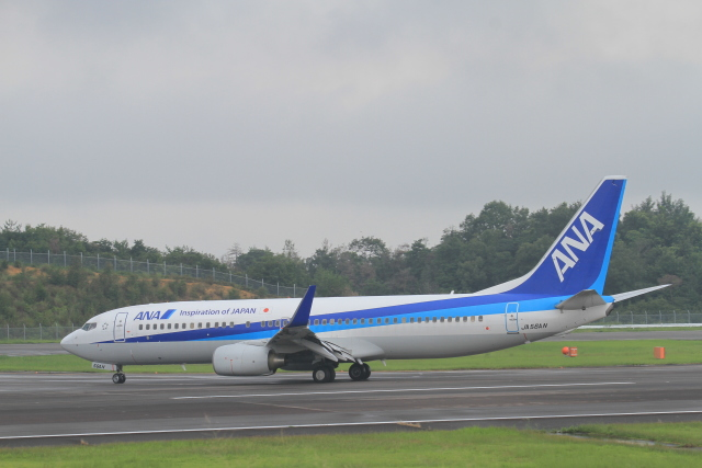 TAK_HND_NRTさんが、高松空港で撮影した全日空 737-881の航空フォト(飛行機 写真・画像)