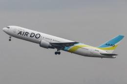 代打の切札さんが、羽田空港で撮影したAIR DO 767-33A/ERの航空フォト(飛行機 写真・画像)