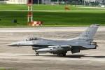 Mr.boneさんが、嘉手納飛行場で撮影したアメリカ空軍 F-16C-30-CF Fighting Falconの航空フォト(飛行機 写真・画像)