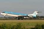 Hariboさんが、アムステルダム・スキポール国際空港で撮影したKLMシティホッパー 100の航空フォト(飛行機 写真・画像)