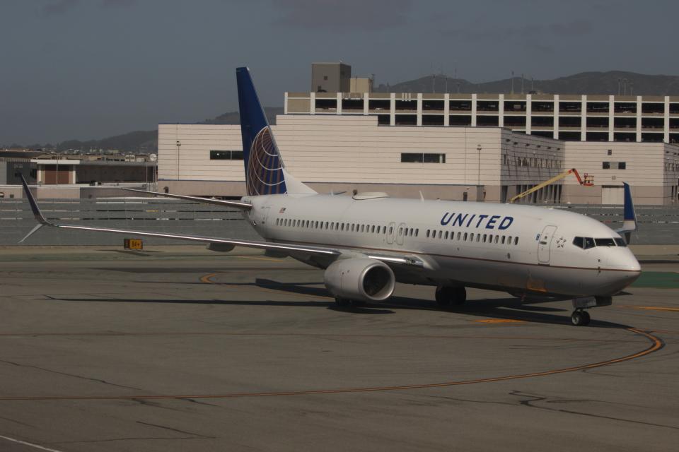 uhfxさんのユナイテッド航空 Boeing 737-800 (N77539) 航空フォト