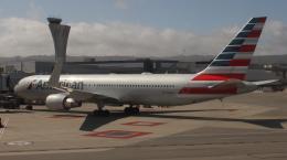 uhfxさんが、サンフランシスコ国際空港で撮影したアメリカン航空 767-323/ERの航空フォト(飛行機 写真・画像)