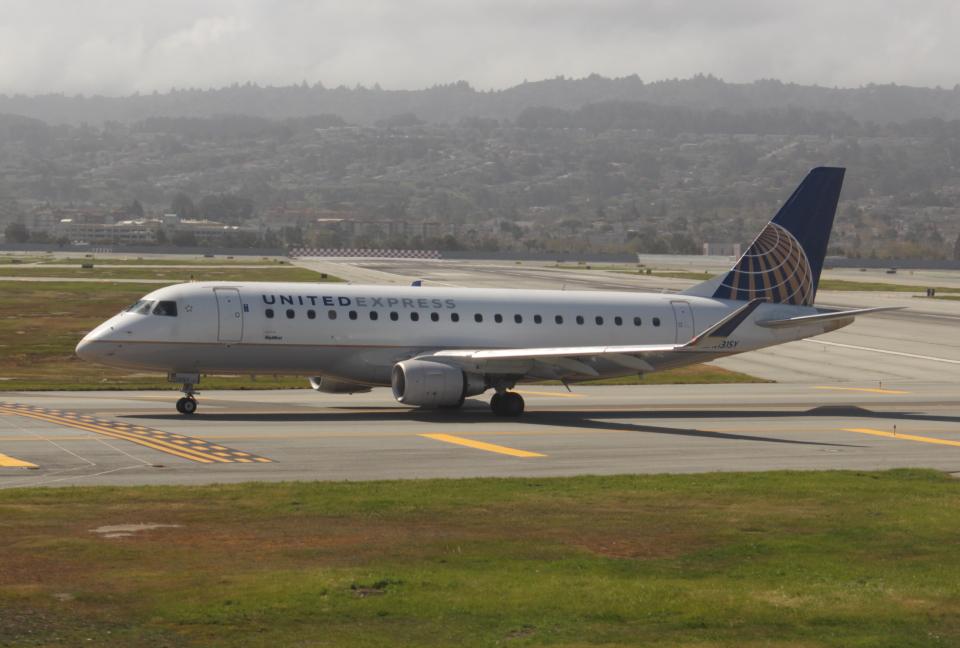 uhfxさんのスカイウエスト Embraer 175 (N131SY) 航空フォト