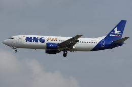 Hariboさんが、フランクフルト国際空港で撮影したMNGエアラインズ 737-4K5の航空フォト(飛行機 写真・画像)