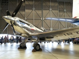 Dickiesさんが、名古屋飛行場で撮影したイギリス企業所有 361 Spitfire LF9Cの航空フォト(飛行機 写真・画像)