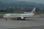LEGACY-747さんが、台北松山空港で撮影した日本航空 767-346/ERの航空フォト(飛行機 写真・画像)