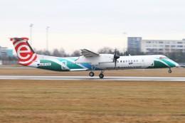 BTYUTAさんが、ヴァーツラフ・ハヴェル・プラハ国際空港で撮影したLOTポーランド航空 DHC-8-402Q Dash 8の航空フォト(飛行機 写真・画像)