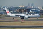 LEGACY-747さんが、伊丹空港で撮影した日本航空 777-289の航空フォト(飛行機 写真・画像)
