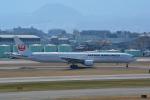 LEGACY-747さんが、伊丹空港で撮影した日本航空 777-346の航空フォト(飛行機 写真・画像)