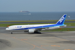 LEGACY-747さんが、羽田空港で撮影した全日空 777-281の航空フォト(飛行機 写真・画像)