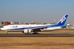 セブンさんが、伊丹空港で撮影した全日空 777-281の航空フォト(飛行機 写真・画像)