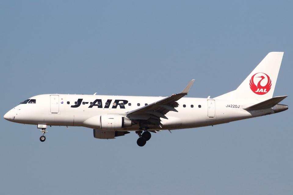セブンさんのジェイエア Embraer 170 (JA220J) 航空フォト
