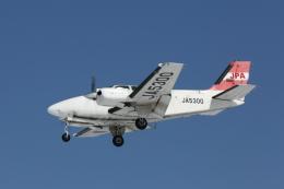 ATOMさんが、帯広空港で撮影したエアロファシリティー 58 Baronの航空フォト(飛行機 写真・画像)