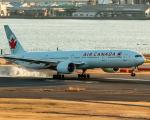 RUNWAY23.TADAさんが、羽田空港で撮影したエア・カナダ 777-333/ERの航空フォト(飛行機 写真・画像)