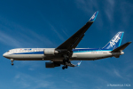 RUNWAY23.TADAさんが、成田国際空港で撮影した全日空 767-381/ERの航空フォト(飛行機 写真・画像)