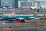 RUNWAY23.TADAさんが、羽田空港で撮影したベトナム航空 A350-941XWBの航空フォト(飛行機 写真・画像)
