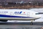 ぐっちーさんが、新千歳空港で撮影した全日空 777-381の航空フォト(飛行機 写真・画像)