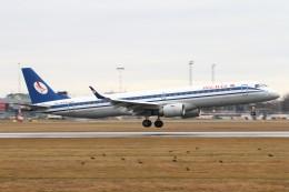BTYUTAさんが、ヴァーツラフ・ハヴェル・プラハ国際空港で撮影したベラヴィア航空 ERJ-190-200 LR (ERJ-195LR)の航空フォト(飛行機 写真・画像)