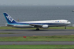 ふぉっくすさんが、羽田空港で撮影した全日空 767-381の航空フォト(飛行機 写真・画像)