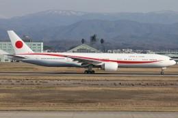 もにーさんが、小松空港で撮影した航空自衛隊 777-3SB/ERの航空フォト(飛行機 写真・画像)