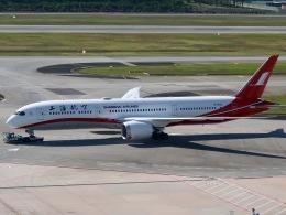 マッペケさんが、シンガポール・チャンギ国際空港で撮影した上海航空 787-9の航空フォト(飛行機 写真・画像)