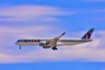 Hiro Satoさんが、スワンナプーム国際空港で撮影したカタール航空 A350-941XWBの航空フォト(飛行機 写真・画像)