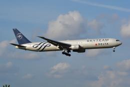 LEGACY-747さんが、成田国際空港で撮影したデルタ航空 767-432/ERの航空フォト(飛行機 写真・画像)