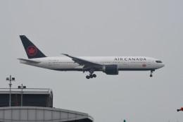 kuro2059さんが、香港国際空港で撮影したエア・カナダ 777-233/LRの航空フォト(飛行機 写真・画像)