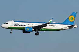Hariboさんが、成田国際空港で撮影したウズベキスタン航空 A320-251Nの航空フォト(飛行機 写真・画像)