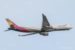 RUNWAY23.TADAさんが、成田国際空港で撮影したアシアナ航空 A330-323Xの航空フォト(飛行機 写真・画像)