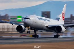 SAMURAI Flyerさんが、伊丹空港で撮影した日本航空 777-289の航空フォト(飛行機 写真・画像)