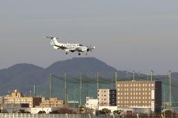 mocohide☆さんが、福岡空港で撮影した海上保安庁 B300の航空フォト(飛行機 写真・画像)