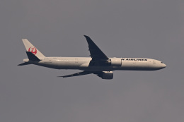 ふぁんとむらいだーさんが、東京都内 自宅で撮影した日本航空 777-346/ERの航空フォト(飛行機 写真・画像)