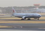 ふじいあきらさんが、成田国際空港で撮影した中国国際航空 777-2J6の航空フォト(写真)