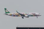 kuro2059さんが、香港国際空港で撮影したエバー航空 A321-211の航空フォト(飛行機 写真・画像)