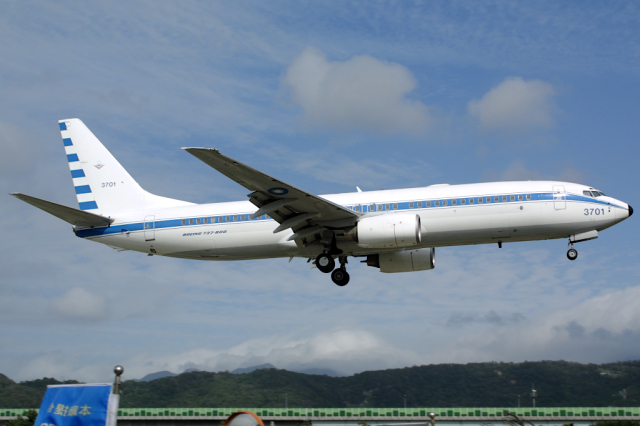 Hariboさんが、台北松山空港で撮影した中華民国空軍 737-8ARの航空フォト(飛行機 写真・画像)