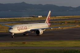 Hariboさんが、関西国際空港で撮影したカタール航空 777-3DZ/ERの航空フォト(飛行機 写真・画像)