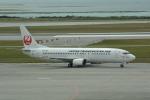 LEGACY-747さんが、那覇空港で撮影した日本トランスオーシャン航空 737-4Q3の航空フォト(飛行機 写真・画像)