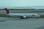 LEGACY-747さんが、那覇空港で撮影した日本航空 767-346の航空フォト(飛行機 写真・画像)
