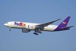 ちゃぽんさんが、成田国際空港で撮影したフェデックス・エクスプレス 777-FHTの航空フォト(飛行機 写真・画像)