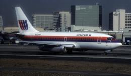 kekeさんが、ロサンゼルス国際空港で撮影したユナイテッド航空 737-222の航空フォト(飛行機 写真・画像)