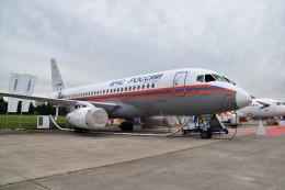 こじゆきさんが、ジュコーフスキー空港で撮影したロシア非常事態省 100-95LRの航空フォト(飛行機 写真・画像)