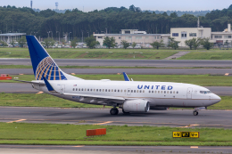航空フォト:N13750 ユナイテッド航空 737-700