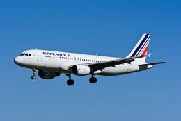 Frankspotterさんが、リスボン・ウンベルト・デルガード空港で撮影したエールフランス航空 A320-214の航空フォト(飛行機 写真・画像)