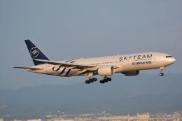 航空フォト:HL7733 大韓航空 777-200