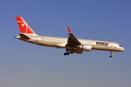 ゆう.さんが、成田国際空港で撮影したノースウエスト航空 757-251の航空フォト(飛行機 写真・画像)