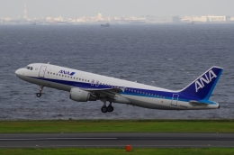 tasho0525さんが、羽田空港で撮影した全日空 A320-211の航空フォト(飛行機 写真・画像)