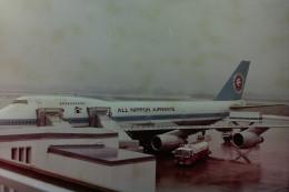 ヒロリンさんが、小松空港で撮影した全日空 747SR-81の航空フォト(飛行機 写真・画像)