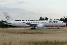 Hariboさんが、フランクフルト国際空港で撮影したサンエクスプレス 757-2Q8の航空フォト(飛行機 写真・画像)
